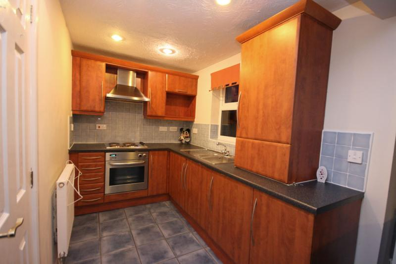 /Parrs Wood Road,